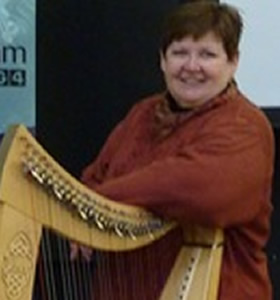 Janet_Harbinson_with_harp