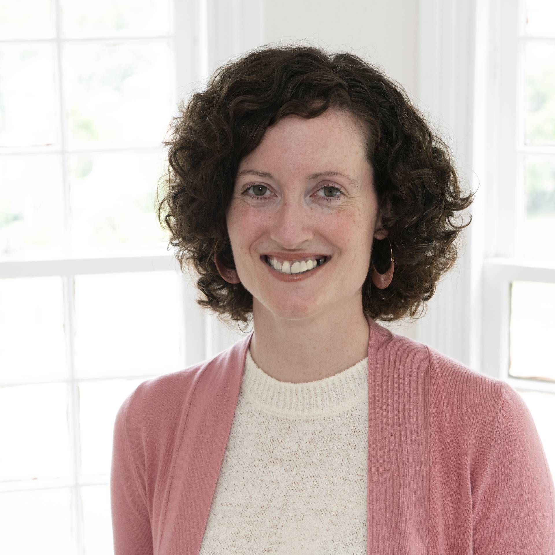 Telling the Story of the Troubles: Prison Handicrafts and Heritage Construction with Dr. Erin Hinson